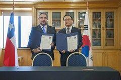 Instituto Antártico Chileno firmó importante acuerdo de colaboración con Corea del Sur