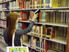 El costo del conocimiento. Acceso abierto a las publicaciones académicas