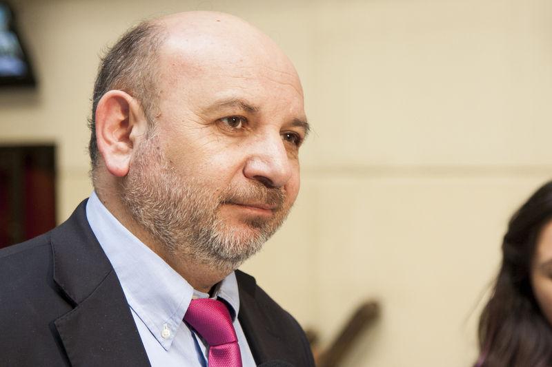 Diputado Juan Luis Castro y el fortalecimiento del programa de vacunación