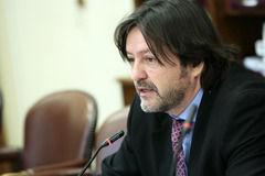 Diputado Tucapel Jiménez comentó características del sistema de pensiones de Australia