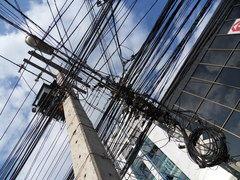 Nueva Zelandia y la difícil tarea de soterrar sus cables eléctricos