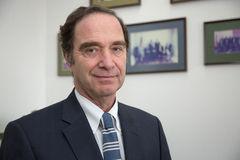 Senador Hernán Larraín analiza la nueva institucionalidad de protección de datos personales