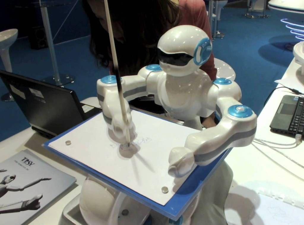 La estrategia en robótica de Japón que prioriza la formación y capacitación de las personas