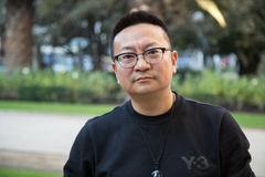 """Shen Haobo: """"Lo vernáculo es esencial para hacer poesía de vanguardia"""""""