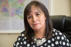 Senadora Carmen Gloria Aravena analiza la institucionalidad agrícola chilena
