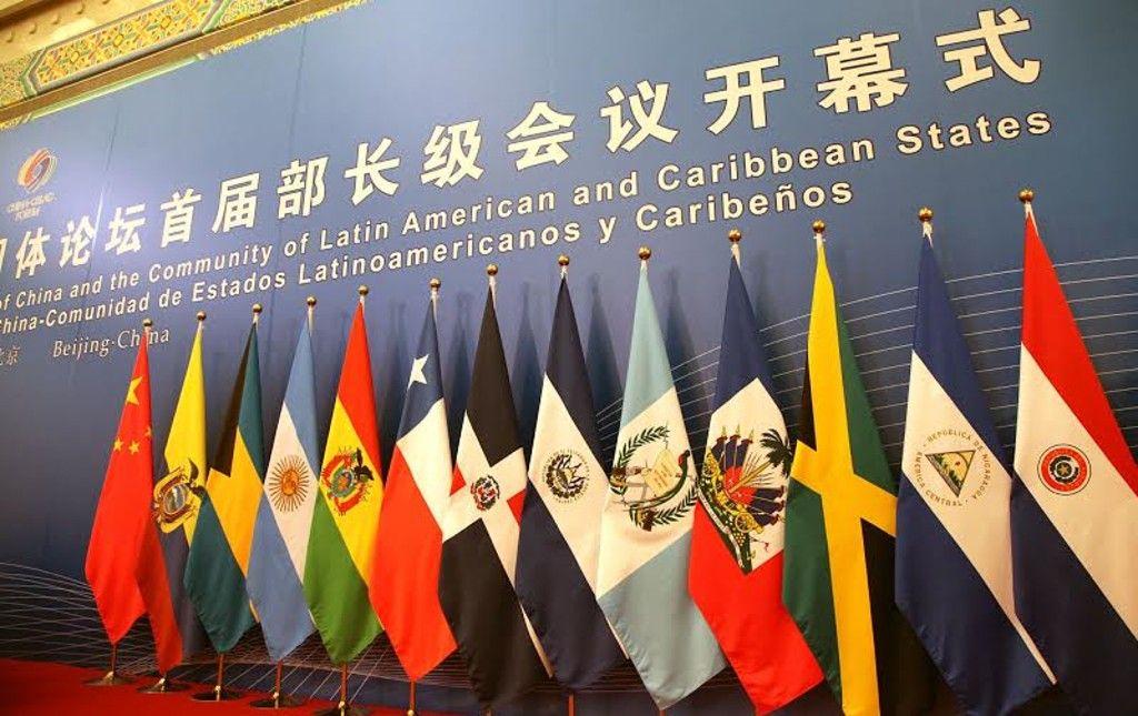 """Ignacio Bartesaghi: """"La elite latinoamericana aún tiene una visión muy anticuada de China"""""""