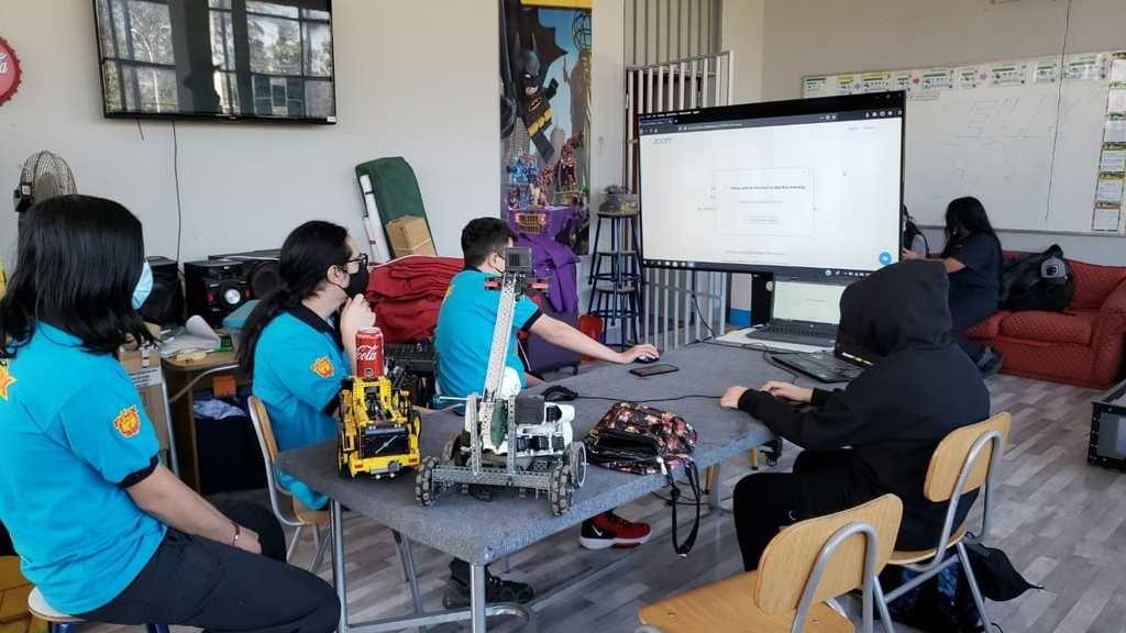Liceo Abdón Cifuentes de Conchalí obtuvo tercer lugar en torneo japonés de robótica